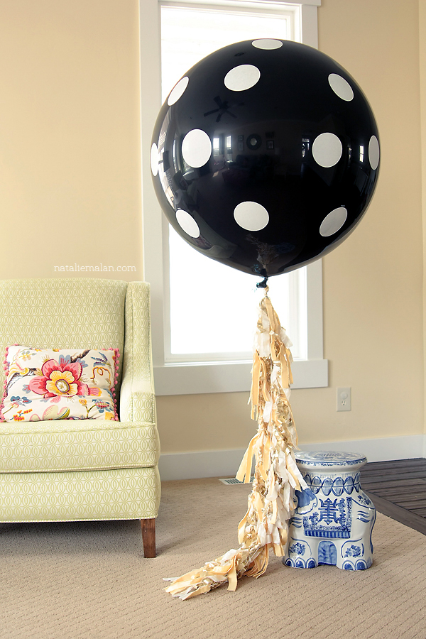 nataliemalan_gender_reveal_giant_balloon_zurchers