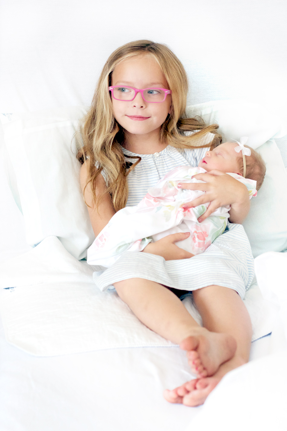 adorable-sister-sibling-photo-kid-glasses-baby-girl-hospital