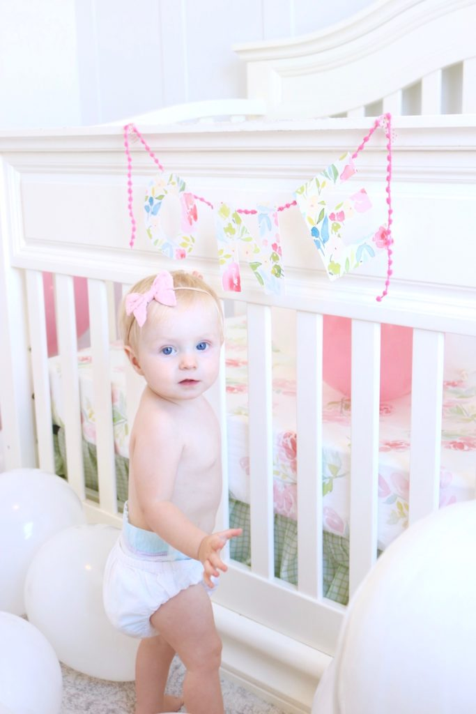 nataliemalan-one-first-birthday-garland-ideas-balloons-nursery-watercolor-4